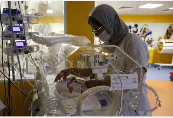 it-appears-to-be-the-first-time-on-record-that-a-woman-had-given-birth-to-nine-surviving-babies-at-once