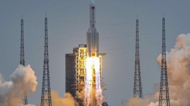 debris-of-china-s-disintegrating-rocket-falls-into-indian-ocean
