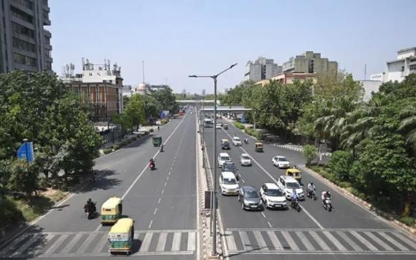 delhi-lockdown-extended-by-another-week-metro-to-remain-shut