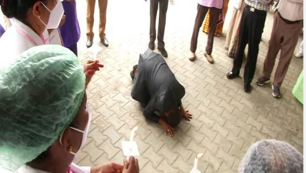 you-are-god-in-today-s-environment-coimbatore-esi-hospital-chief-who-fell-at-the-feet-of-nurses-in-tears