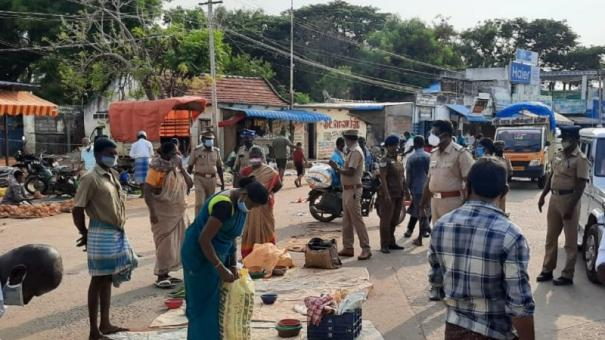 sivagangai-vegetable-vendors-argue-with-police