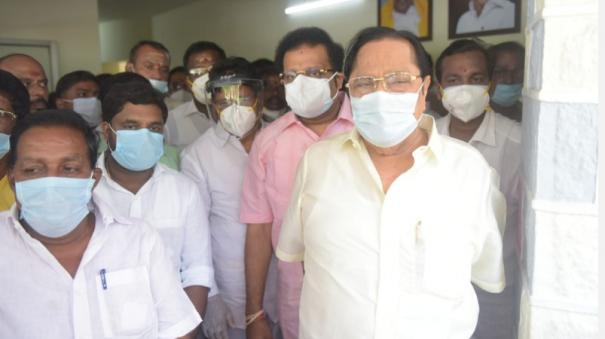 oxygen-shortage-in-vellore-district-to-be-resolved-in-2-days-minister-duraimurugan