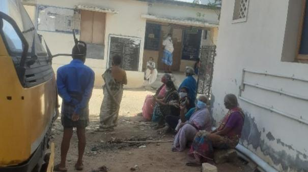 publis-dissatisfied-by-ration-shops-issue