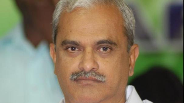 the-frenzy-over-the-chair-for-the-puducherry-rulers-is-not-in-the-service-of-the-people