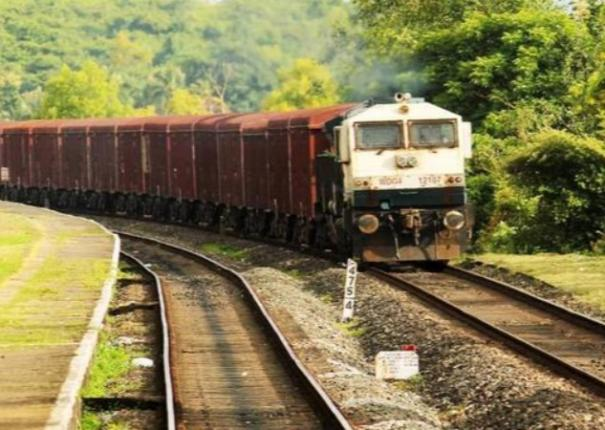 railways-loads-the-highest-ever-freight