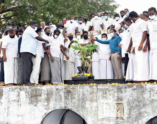 farmers-thank-the-government-of-tamil-nadu
