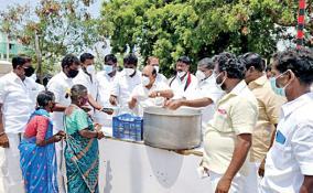 dmk-cadres-distributes-briyani