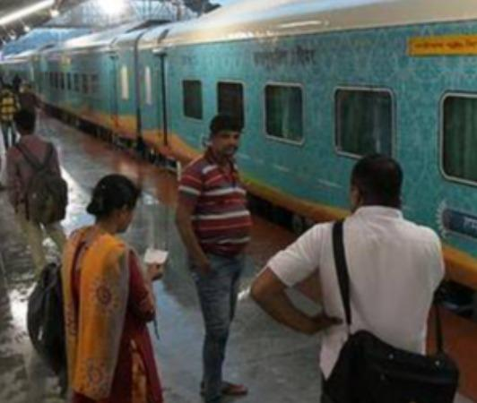 amid-covid-curbs-27-lakh-caught-without-ticket-on-trains-in-2020-21