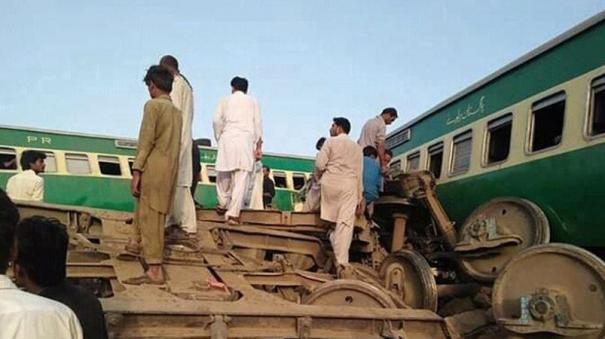 at-least-30-killed-50-injured-after-two-trains-collide-in-pakistan