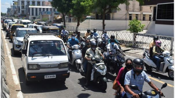 curfew-with-relaxations-increased-vehicular-traffic-on-trichy-roads