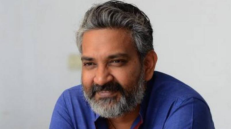 'ஆர்.ஆர்.ஆர்' படத்துக்கு முன் குறும்படம்: ராஜமெளலி திட்டம் | rajamouli to direct short film before RRR movie