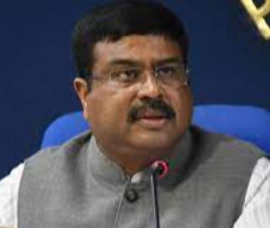 petrol-and-diesel-prices-should-be-brought-under-gst-dharmendra-pradhan