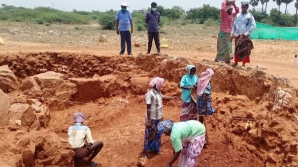 excavation-begins-in-adhichanallur-sivakalai