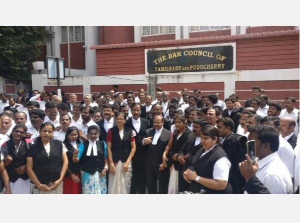 what-is-the-action-taken-against-the-lawyers-who-violated-the-curfew-high-court-notice-to-the-bar-council