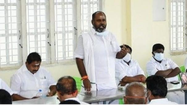 remove-cadres-who-are-in-touch-with-sasikala-from-party