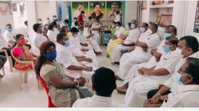 we-will-never-accept-sasikala-or-his-family-aiadmk-trichy-bailiff-district-resolution