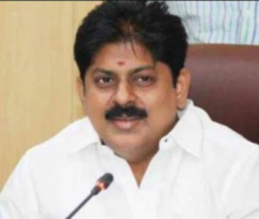 police-force-for-catch-ex-minister-manikandan