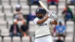 indian-players-wear-black-arm-bands