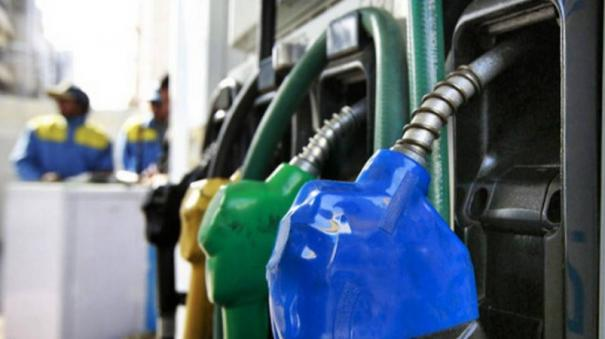central-government-accuses-congress-for-petrol-hike