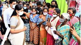 kanimozhi-mp-visits-lankan-refugee-camp-in-yettayapuram