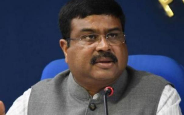 minister-dharmendra-pradhan-now-blames-congress-for-petrol-diesel-prices-hike