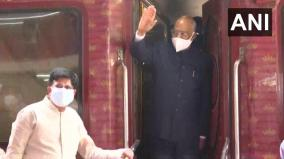president-ram-nath-kovind-along-with-his-wife-boards-a-special-train-from-safdarjung-railway-station