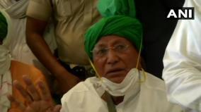 om-prakash-chautala-arrives-at-his-residence-in-gurugram