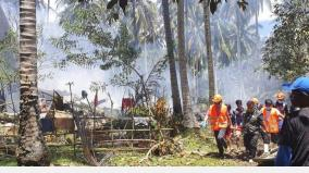 29-dead-40-rescued-as-philippine-military-plane-crashes