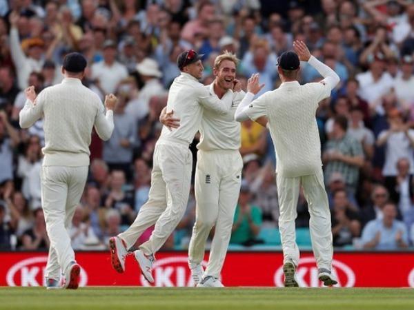 இந்தியா-இங்கிலாந்து டெஸ்ட்: கட்டுப்பாடுகள் இன்றி அரங்கு முழுவதும் ரசிகர்கள் அமர அனுமதி   India-England Test series set to be played in front of full crowd capacity