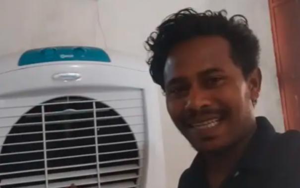 no-longer-seeking-daily-wage-work-odisha-labourer-earns-lakhs-from-youtube