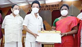 vijila-sathyanand-joins-dmk