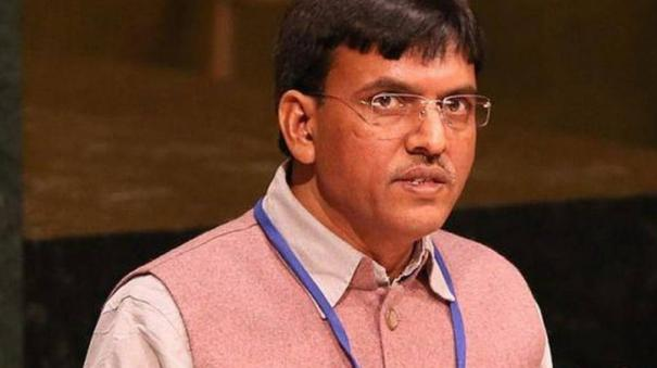 mansukh-mandaviya-union-minister-inaugurates-2-psa-oxygen-plants