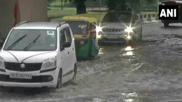 underpass-waterlogged-in-prahladpur-area-after-delhi-received-heavy-rainfall-today-morning