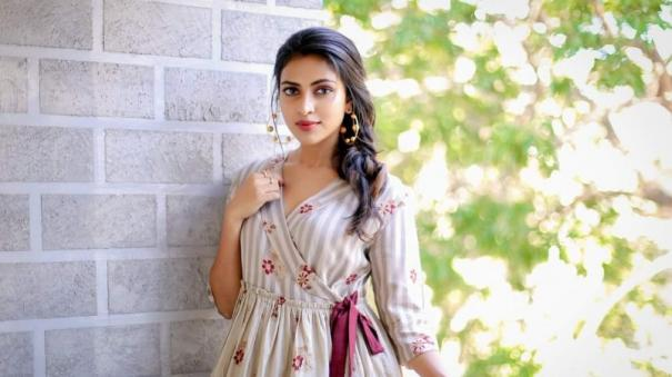 amala-paul-working-on-separating-private-life-from-work-life