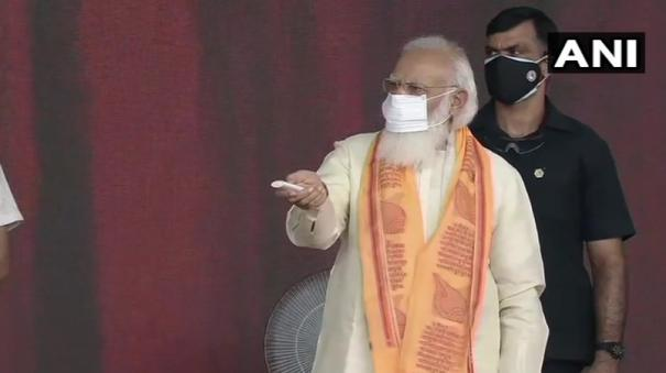 pm-modi-visits-his-constituency-varanasi-to-inaugurate-projects