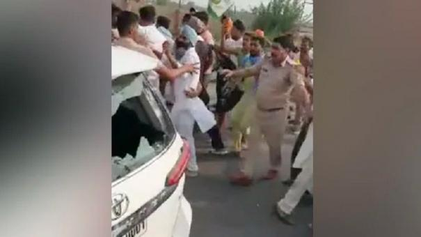 100-farmers-face-sedition-case-after-allegedly-attacking-bjp-leader-s-car