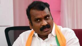 grand-welcome-for-l-murugan-in-chennai-airport