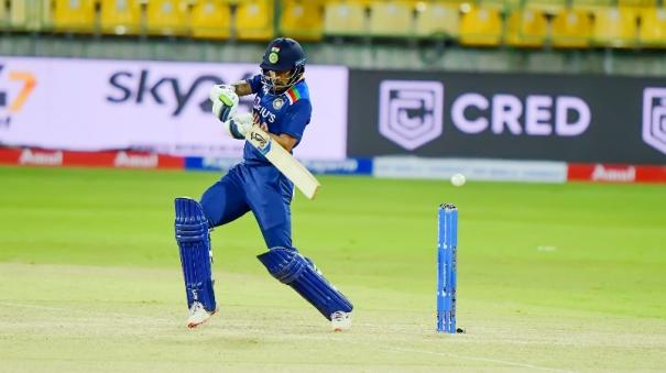 dhawan-becomes-10th-indian-batsman-to-score-6000-odi-runs