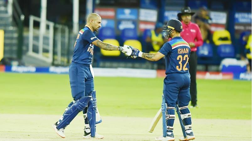 இவர்களா 2-ம் தரஅணி? ஷா, கிஷன் காட்டடி; தவண் நிதானம்: இலங்கையை நொறுக்கிய இந்திய அணி | Skipper Dhawan, debutant Kishan shine in India's seven-wicket victory over Sri Lanka