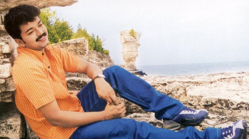 'யூத்' திரைப்படம் வெளியாகி 19 ஆண்டுகள்: அழகான காதல் படத்தில் அசத்தலான விஜய்! | 19 Years of Youth