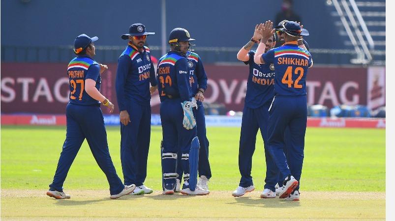 14 ஆண்டு சாதனையைத் தக்கவைக்குமா இந்திய அணி? நாளை இலங்கையுடன் 2-வது மோதல்   Ind vs SL: Death bowling in focus as Dhawan-led visitors look to wrap up ODI series