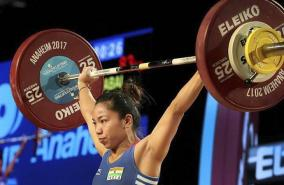 mirabai-s-mother-in-tears-as-daughter-sports-good-luck-earrings-she-gifted-in-olympic-super-show