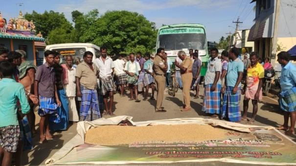 road-blockade-by-farmers