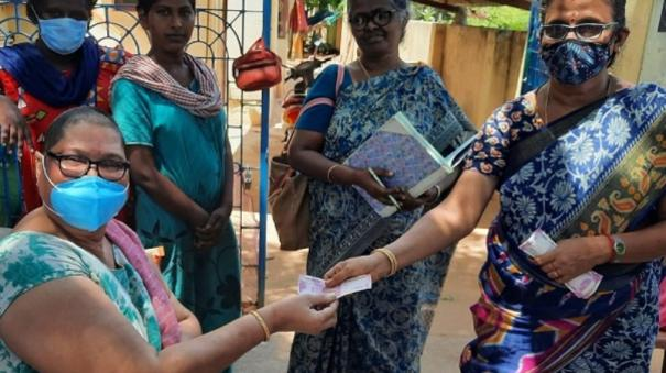 sivagangai-officials-extend-helping-hands-to-transgenders