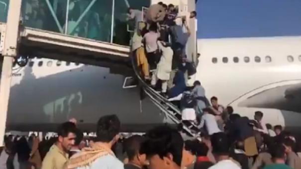 chaos-at-kabul-airport-as-taliban-retakes-afghanistan