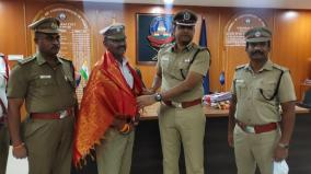 si-tamil-nadu-dgp-praised-for-kindly-talking-to-motorists-at-the-signal-and-streamlining-the-traffic