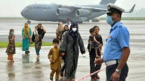 at-kabul-airport-narrow-escape-for-160-afghan-sikhs-hindus