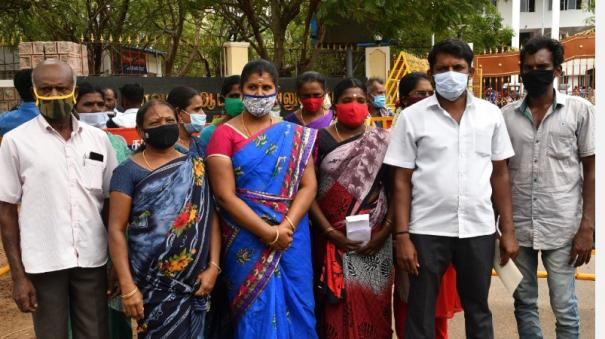 sterlite-plant-to-be-opened-petition-of-villagers-in-collector-s-office