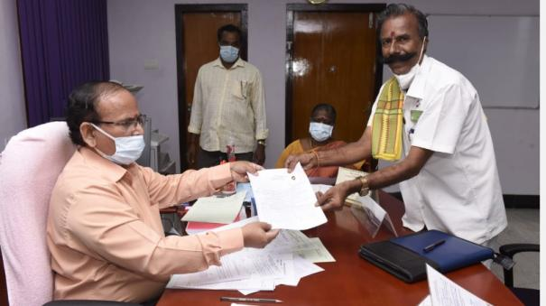padmarajan-has-filed-his-nomination-for-221-times-in-pondicherry