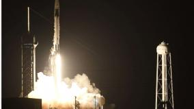 spacex-makes-history-launches-4-amateurs-on-private-earth-circling-trip